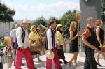 Delegacje wchodzą do Sanktuarium.jpg - miniatura z galerii zdjęć (otwórz zdjęcie w powiększonej wersji)