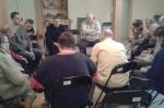Mieszzkańcy podczas spotkania  - miniatura z galerii zdjęć (otwórz zdjęcie w powiększonej wersji)