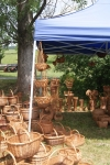 Stoisko z koszykami wiklinowymi - miniatura z galerii zdjęć (otwórz zdjęcie w powiększonej wersji)