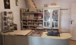 Eksponaty Skansenu w Sanoku- wnętrze apteki - miniatura z galerii zdjęć (otwórz zdjęcie w powiększonej wersji)